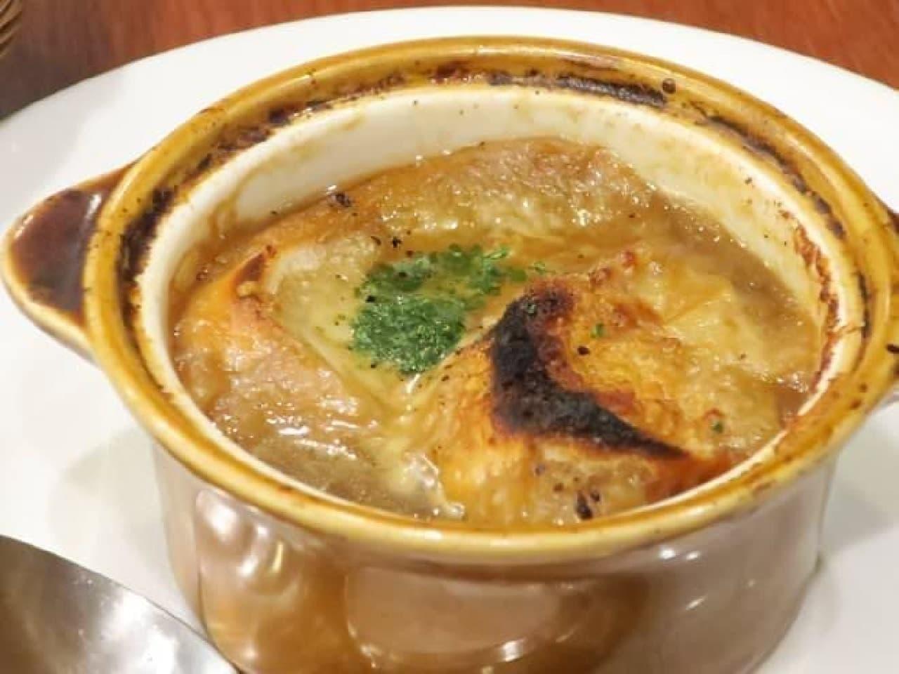 ロイヤルホスト オニオングラタンスープ