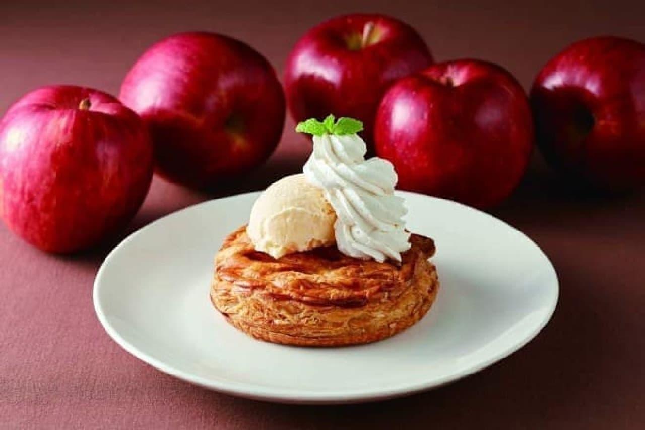 ジョナサン「林檎とカスタードのホットアップルパイ バニラアイス添え」