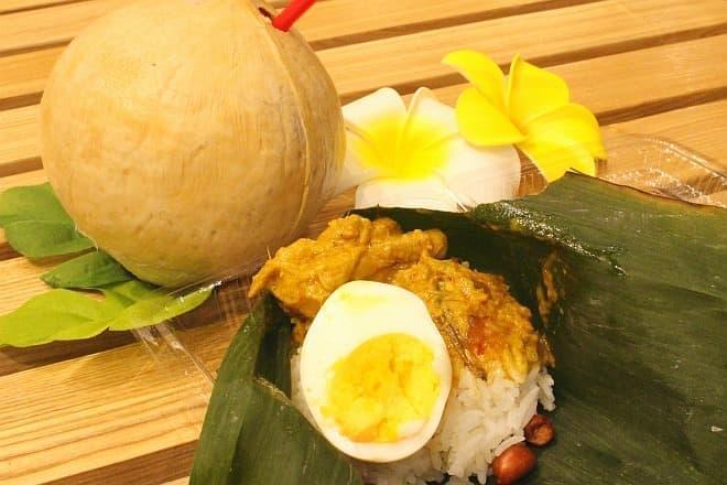 マレーシア料理「ナシレマ」