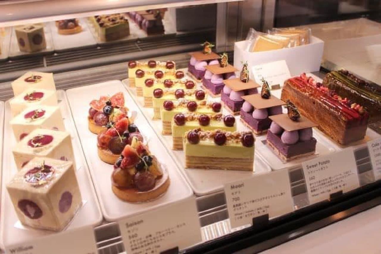 りんかい線天王洲アイル駅から徒歩6分ほどの場所にある「Lily cakes」