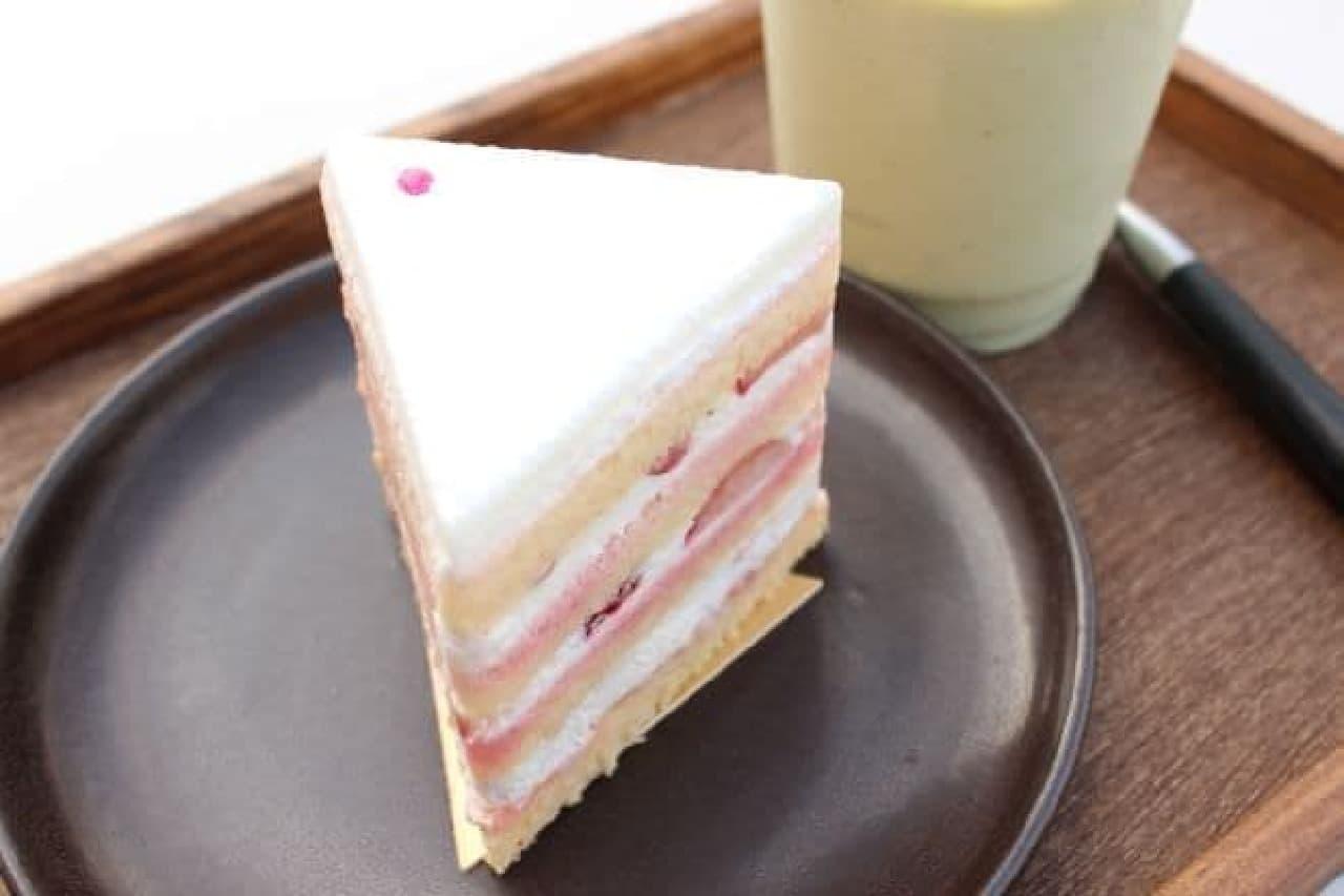 """Triangle""は正三角形のイチゴショートケーキ"