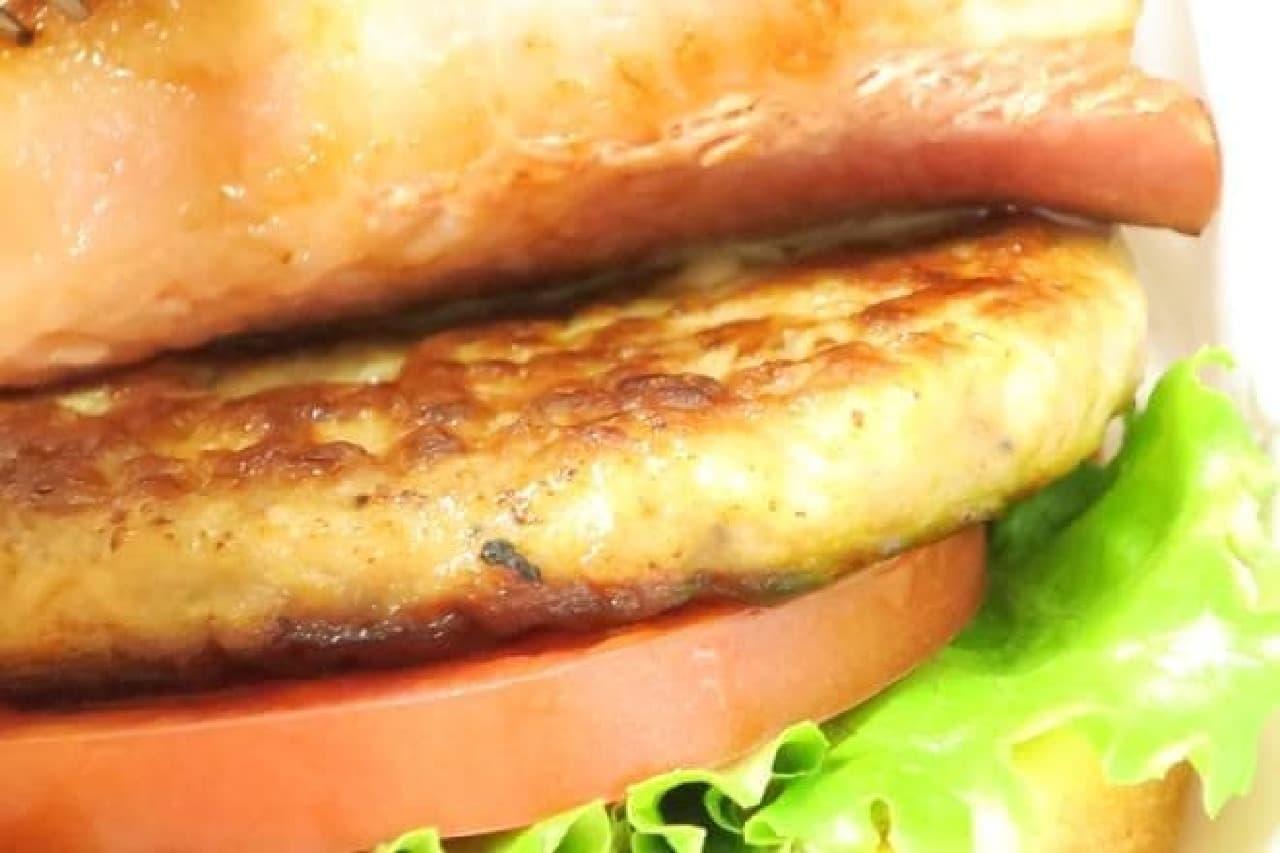 とびきりハンバーグサンド 薫るベーコン&クリーミーポテト