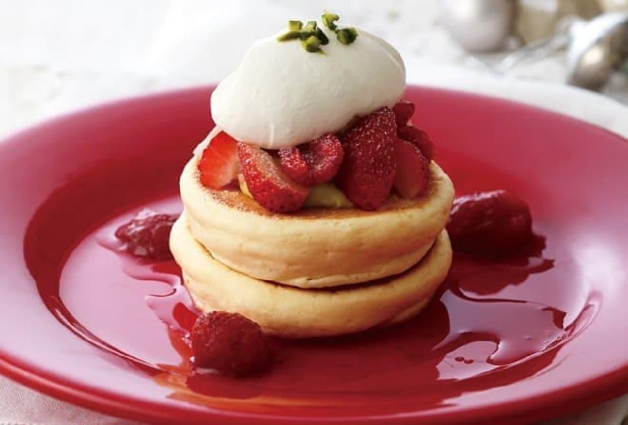 キハチ カフェ「いちごとフランボワーズのパンケーキ~クリスマスの装い~」
