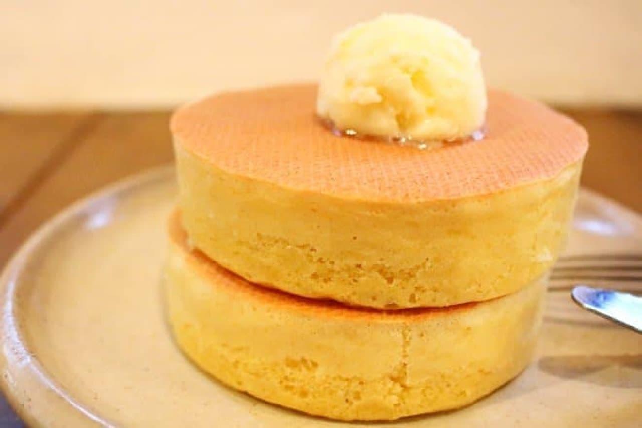 絶品ホットケーキをカフェ「ペドラブランカ」で