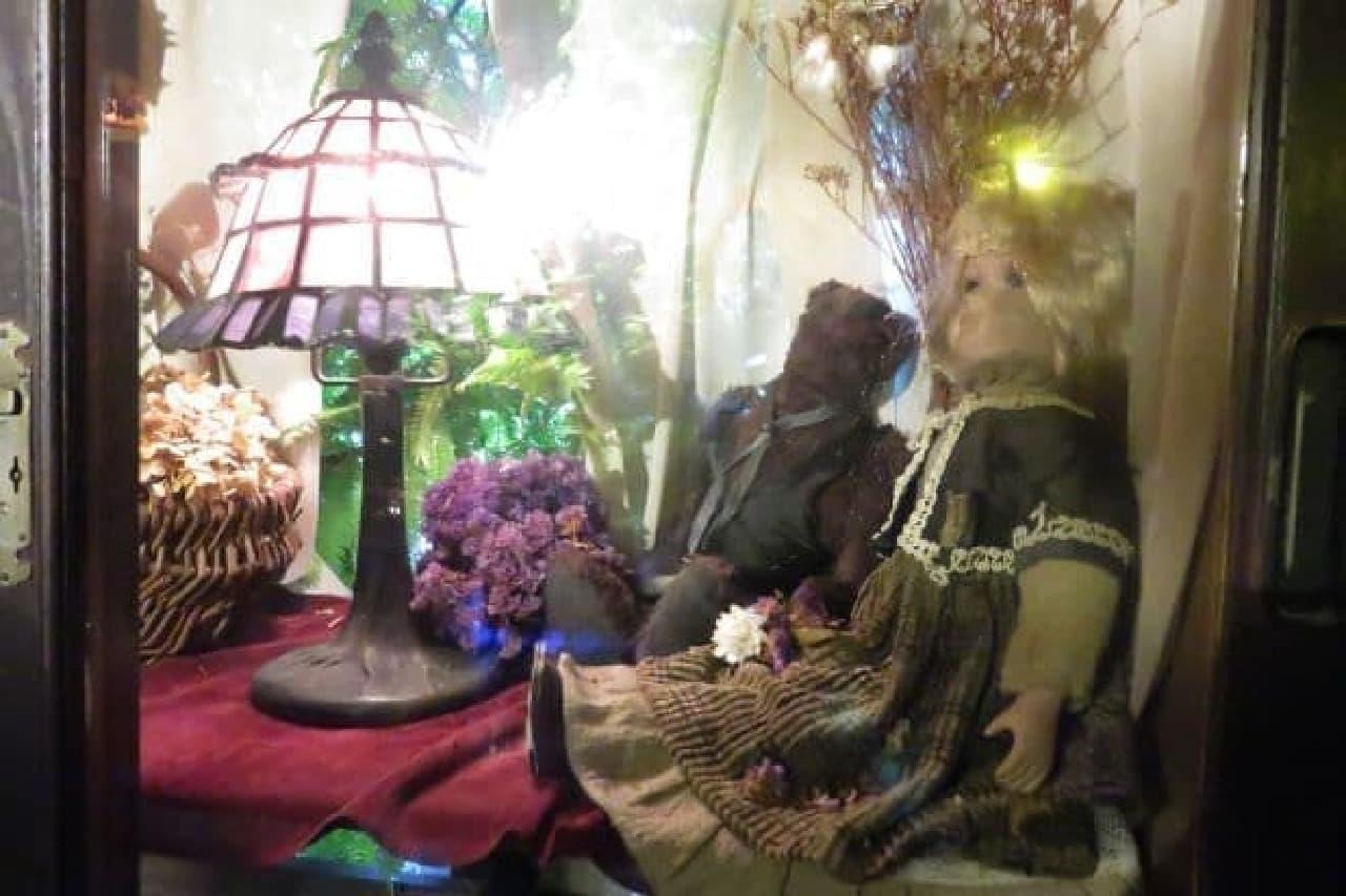 「エセルの中庭」は「アール座読書館」のうえにあるお喋りOKのカフェ