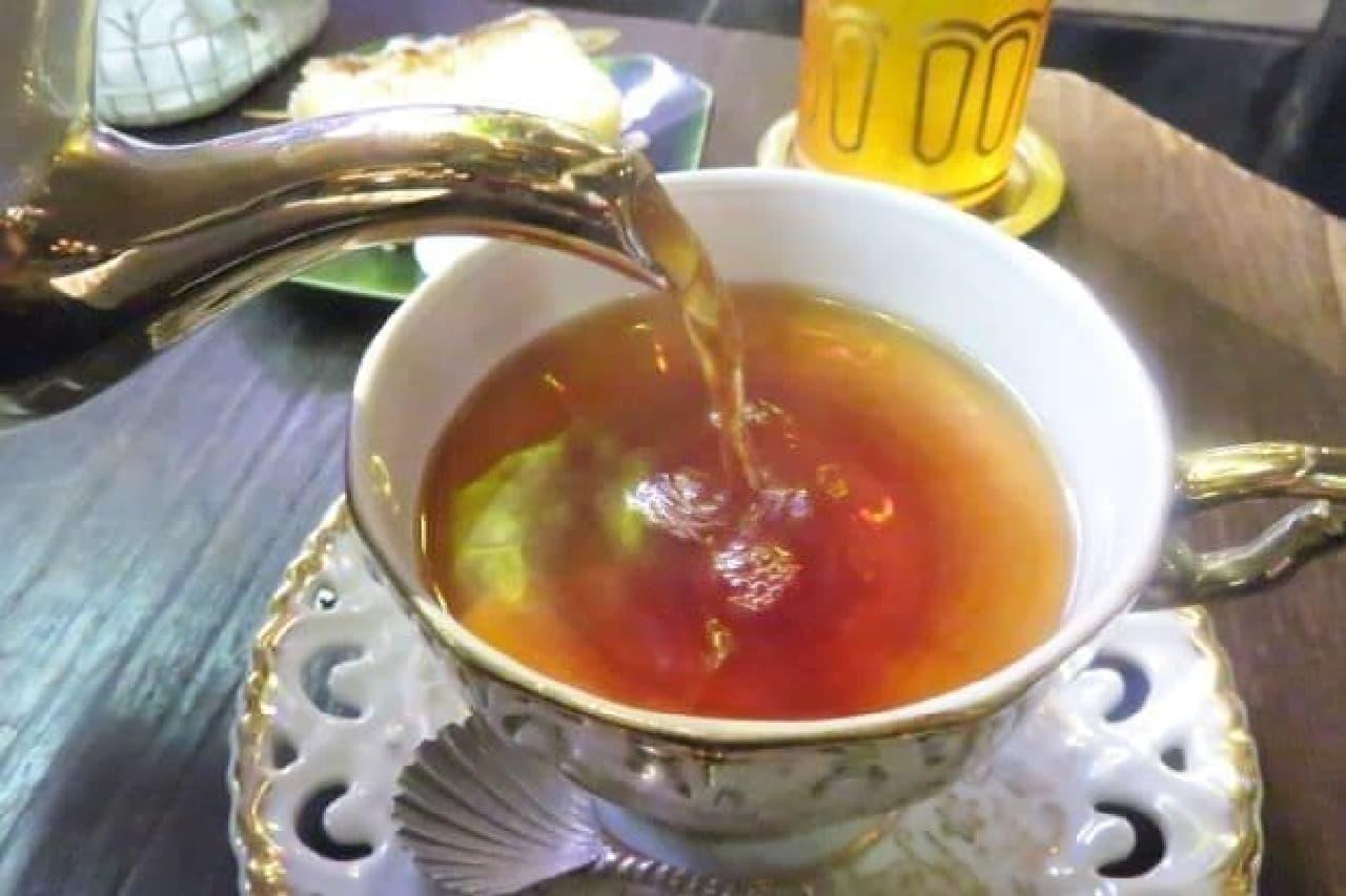 の香りが立ちのぼる「スウィート・マロン」は、苦味の弱い飲みやすい仕上がり