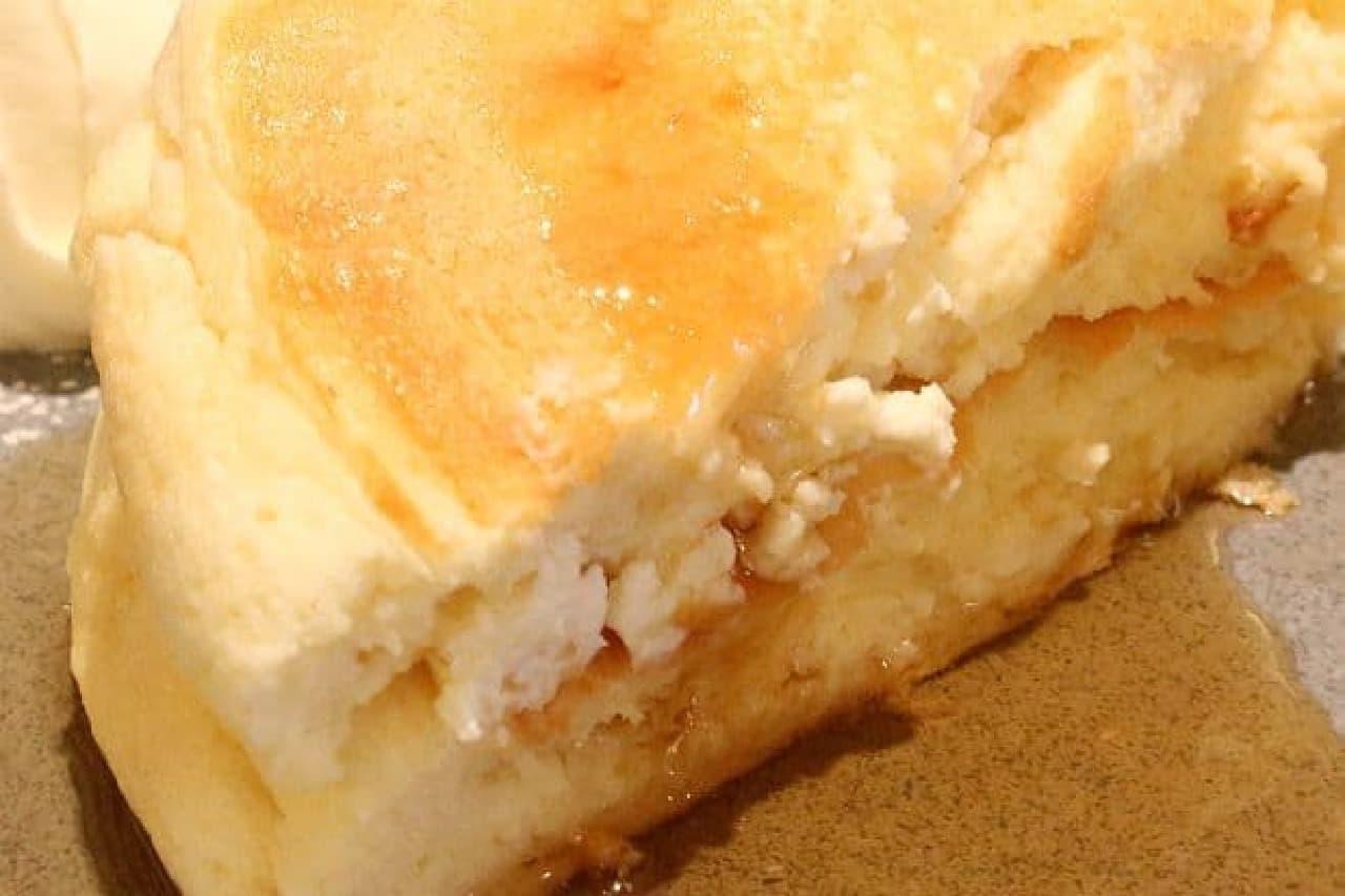 ミカサデコ&カフェ「ふわふわリコッタチーズパンケーキ」