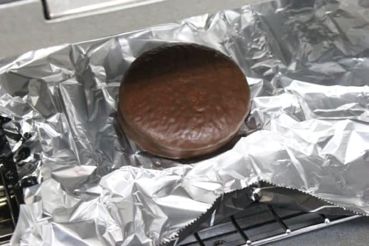 トースターで温められるロッテの「チョコパイ」