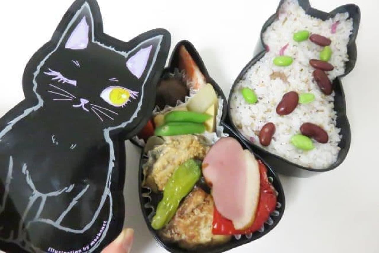 福ねこ弁当は猫型の容器にご飯とおかずが詰められたお弁当