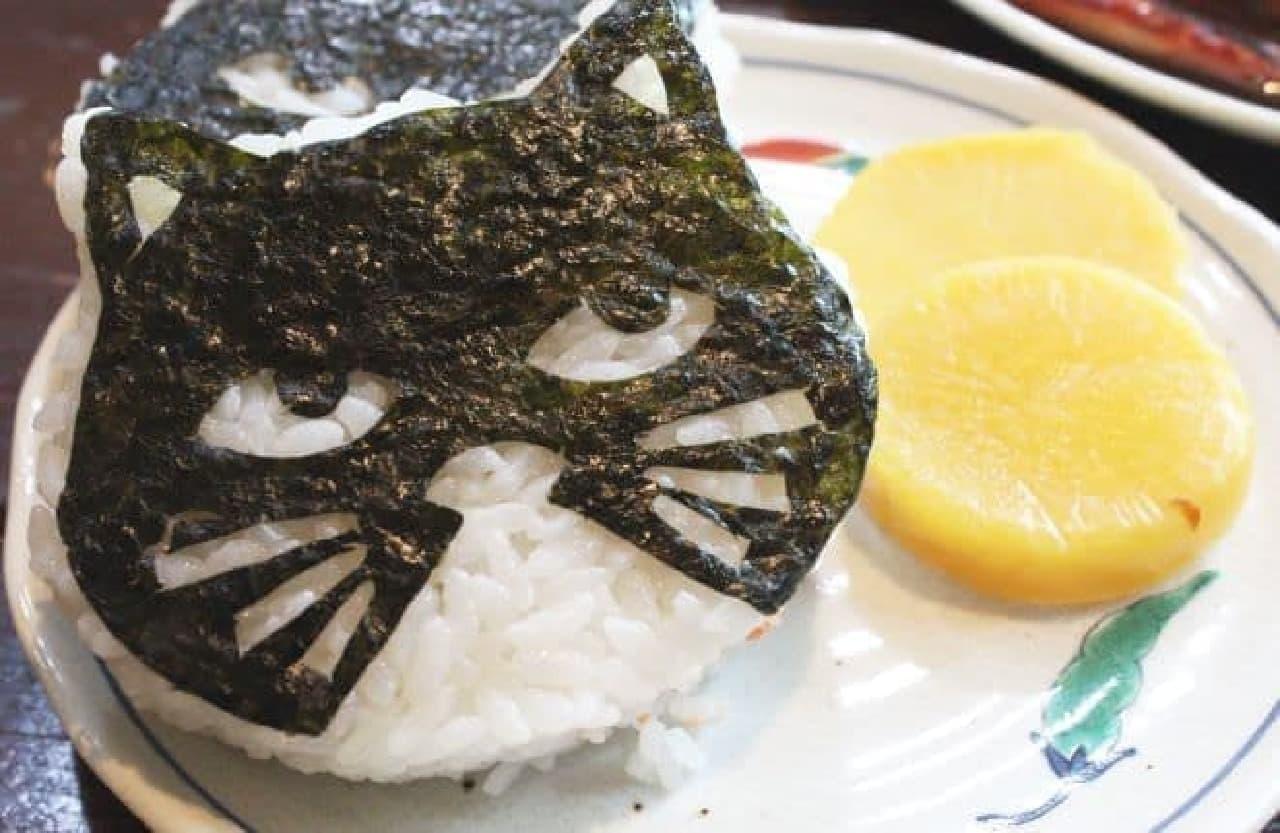 「猫むすび御膳」はねこむすびが入ったご膳