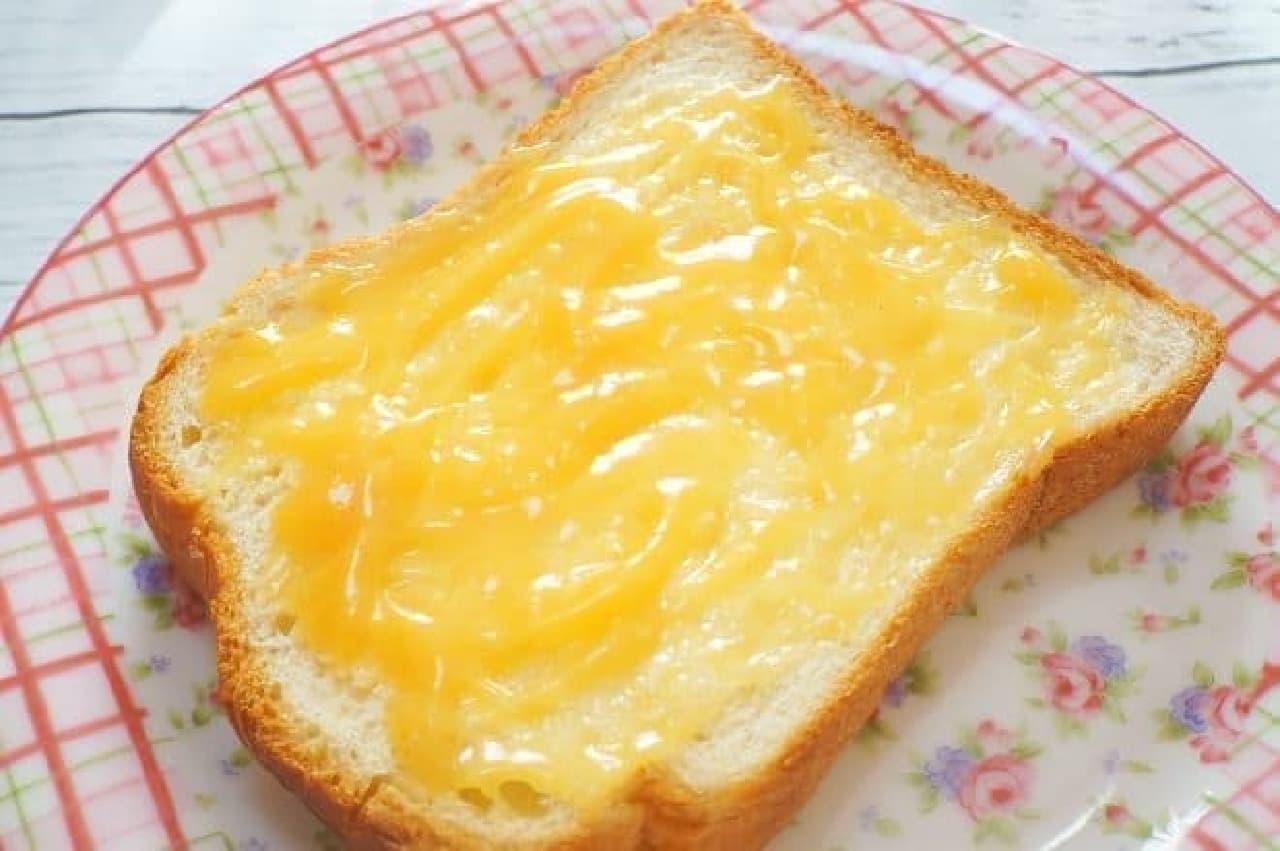 プリンジャムを塗ったトースト