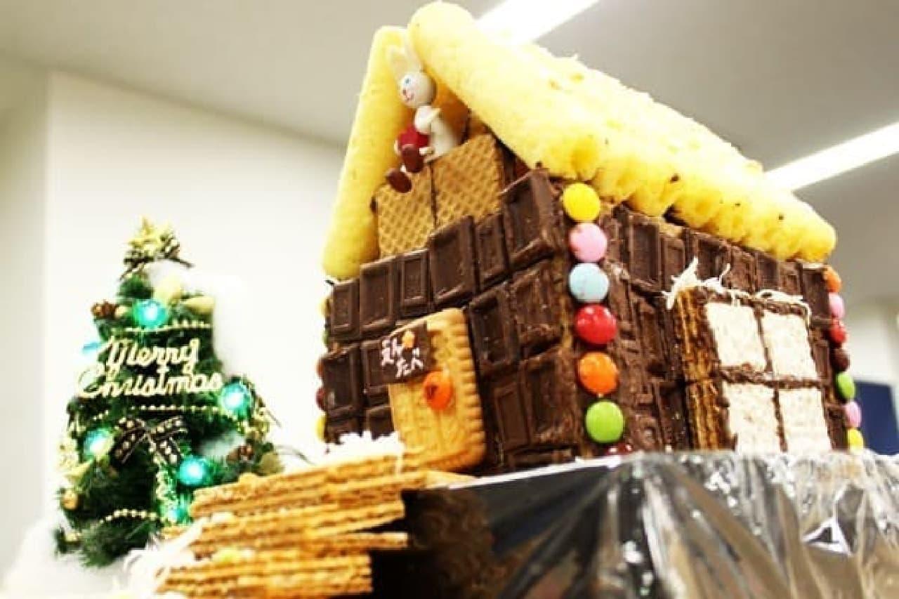 お菓子で作った家