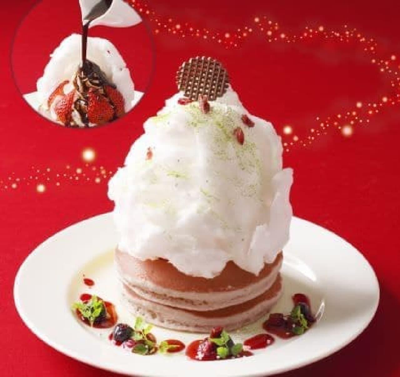 「クリスマスパンケーキ~メルティマジック~」は苺がほのかに香る食感のパンケーキをわたがしで包んだデザート