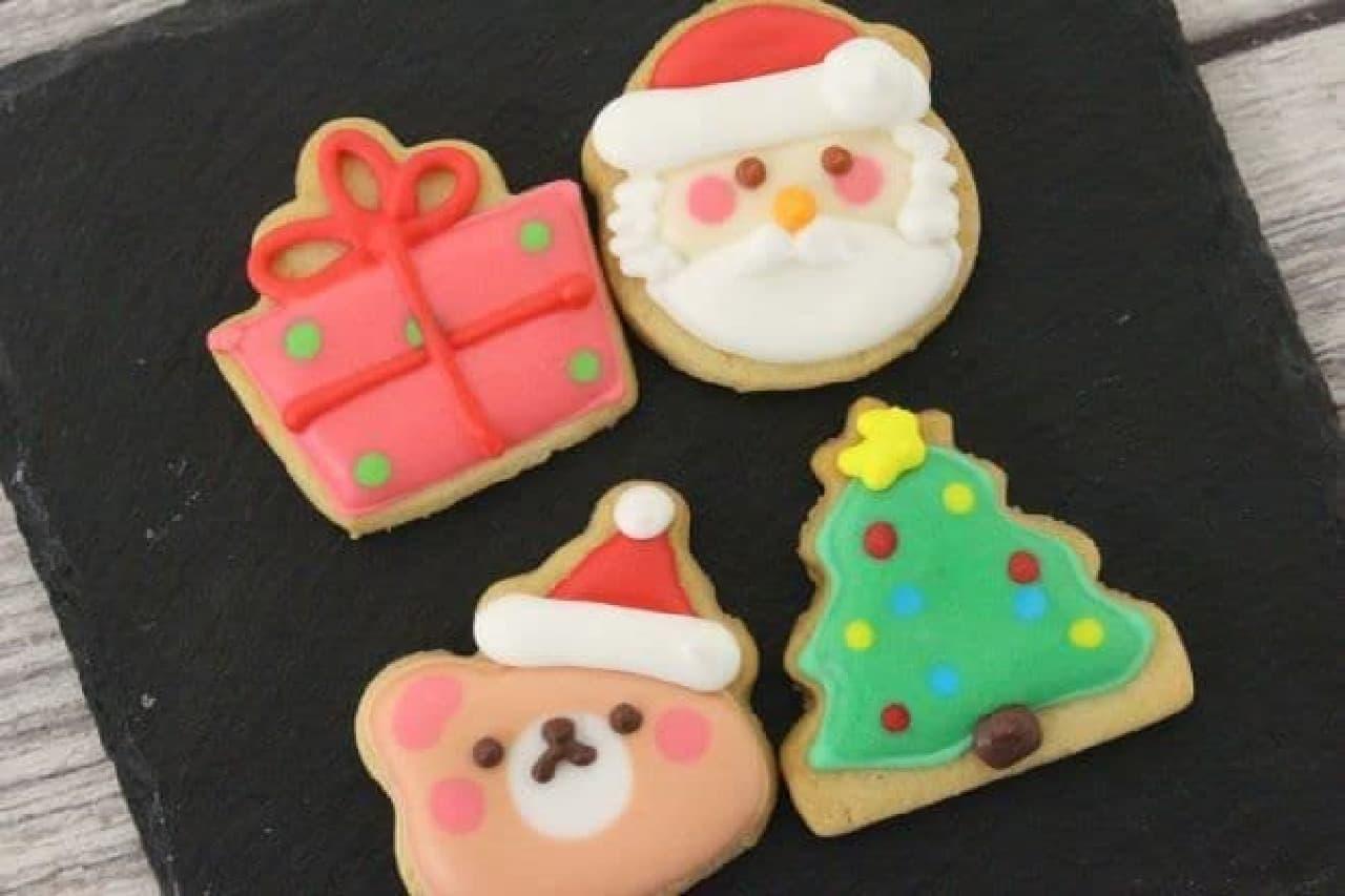 「クマサンタ&ツリー」、「サンタ&プレゼント」は、クリスマスモチーフのクッキーが2個組み合わされたもの