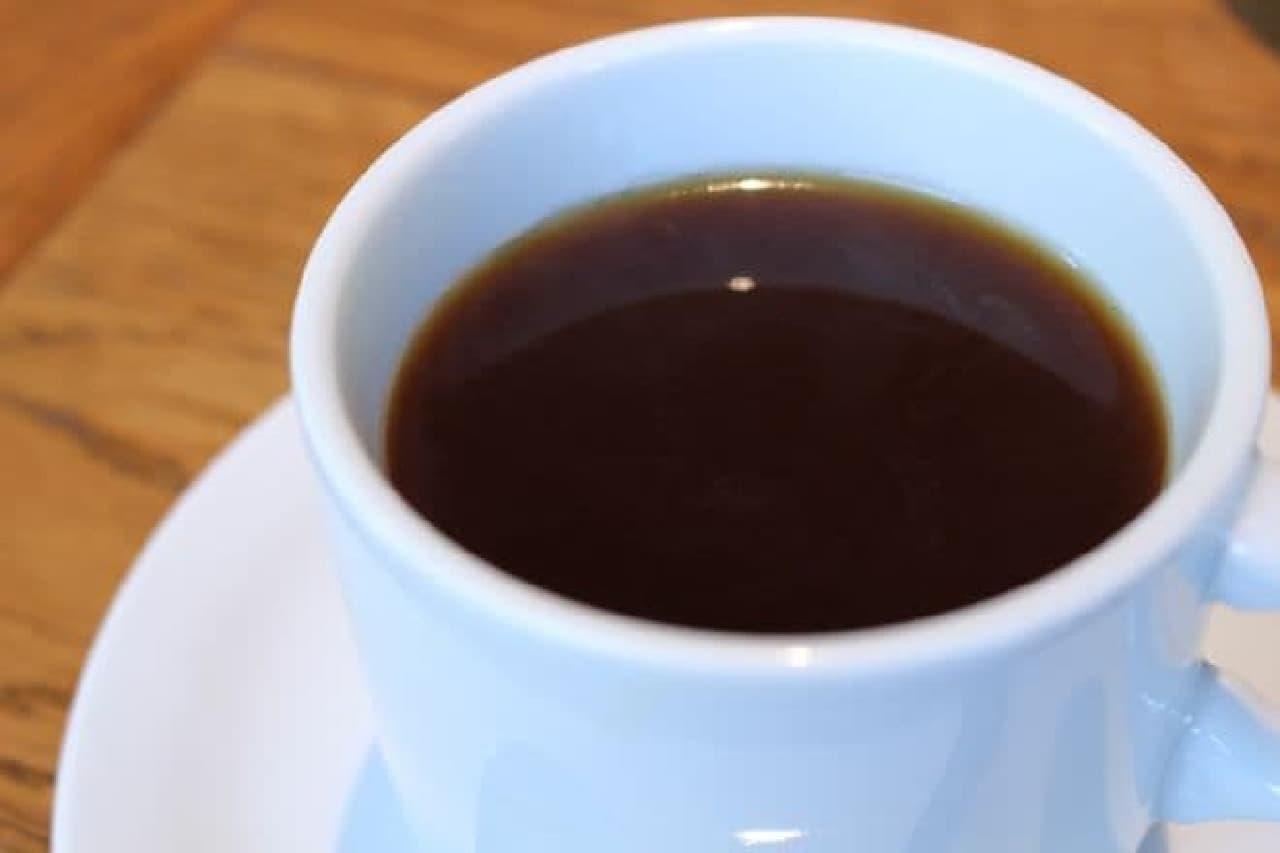 アイヴィープレイスの「ホットコーヒー特選シングルオリジン(税込700円)」