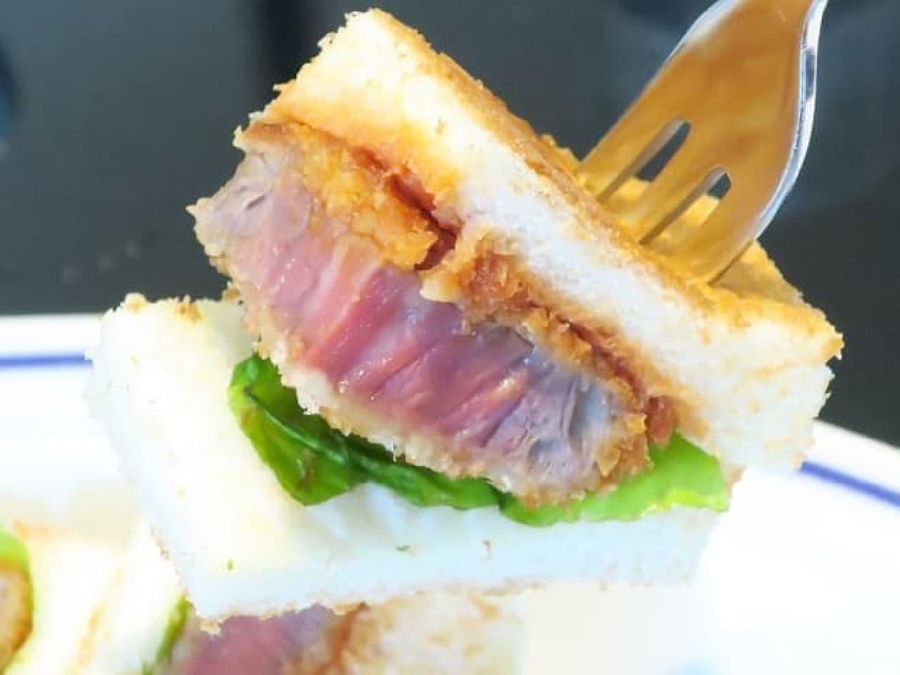 東京・銀座「カフェ木村家」で提供されている「ビーフヒレカツサンド」