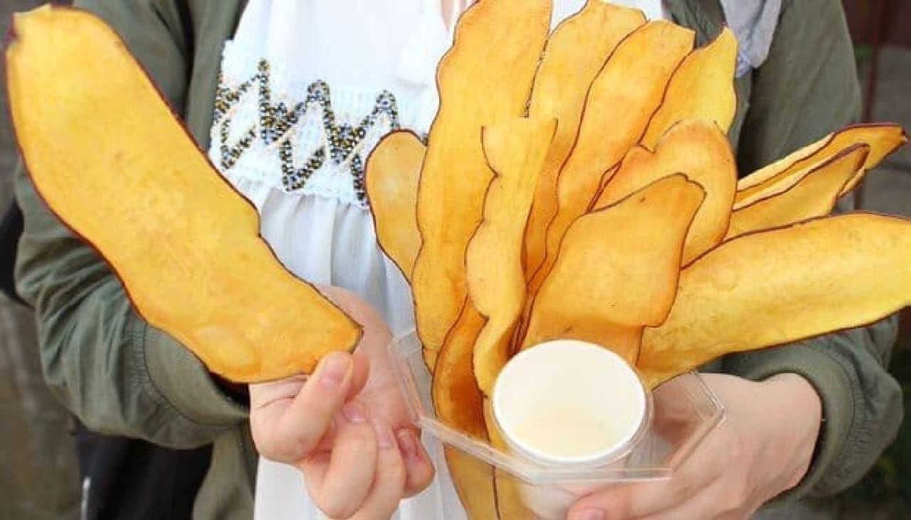 「小江戸おさつ庵」で販売されている「おさつチップ」