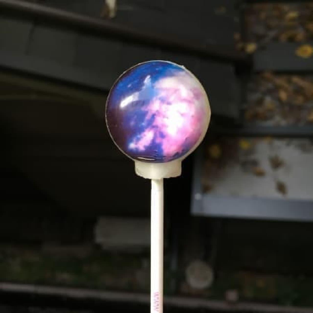 """""""惑星キャンディ""""シリーズの最新作「Nebula Lollipop(ネブラ ロリポップ)」"""