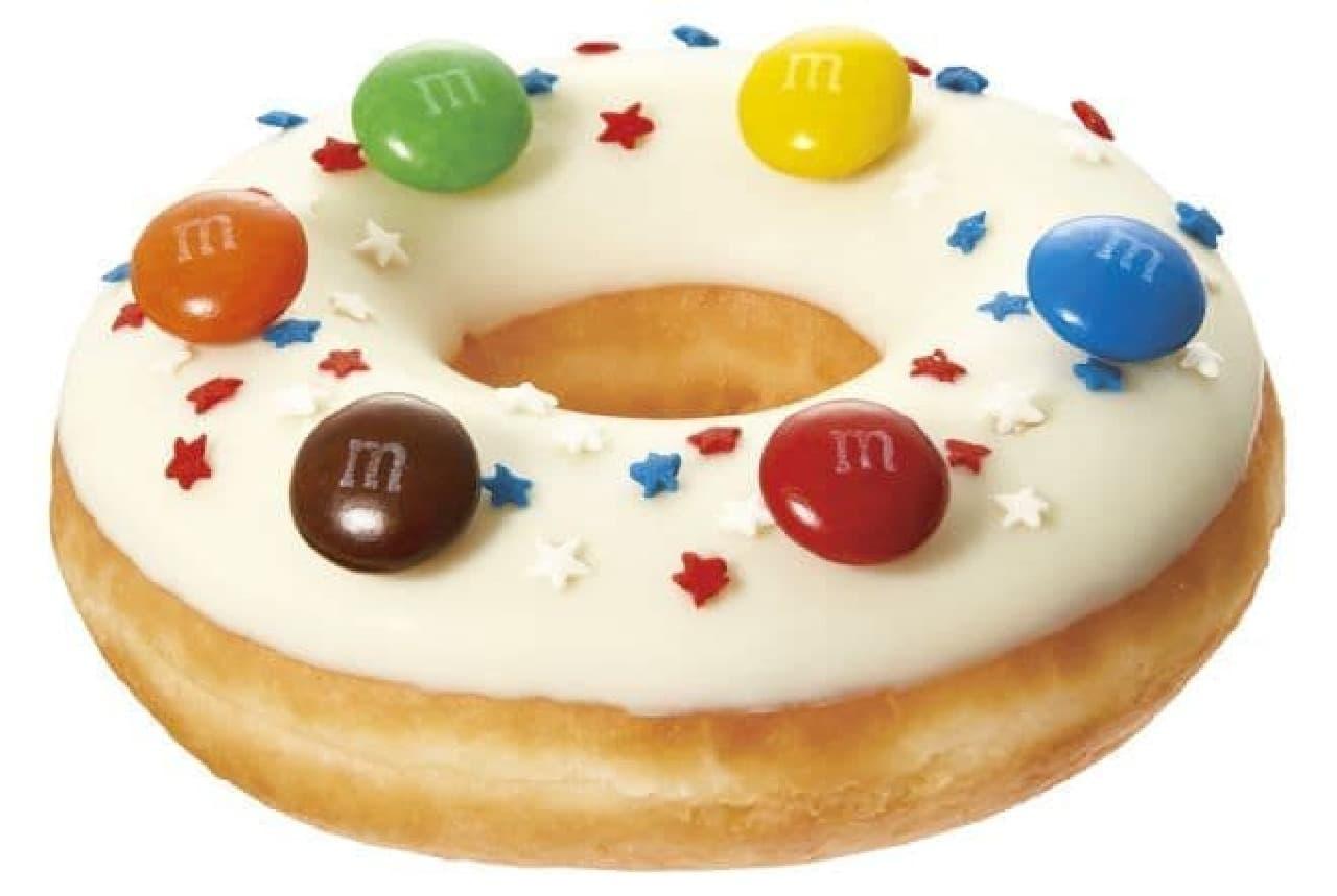 「スイート アメリカ エム&エムズ ホワイト」は、「M&M'S」チョコを6個がのせられたドーナツ