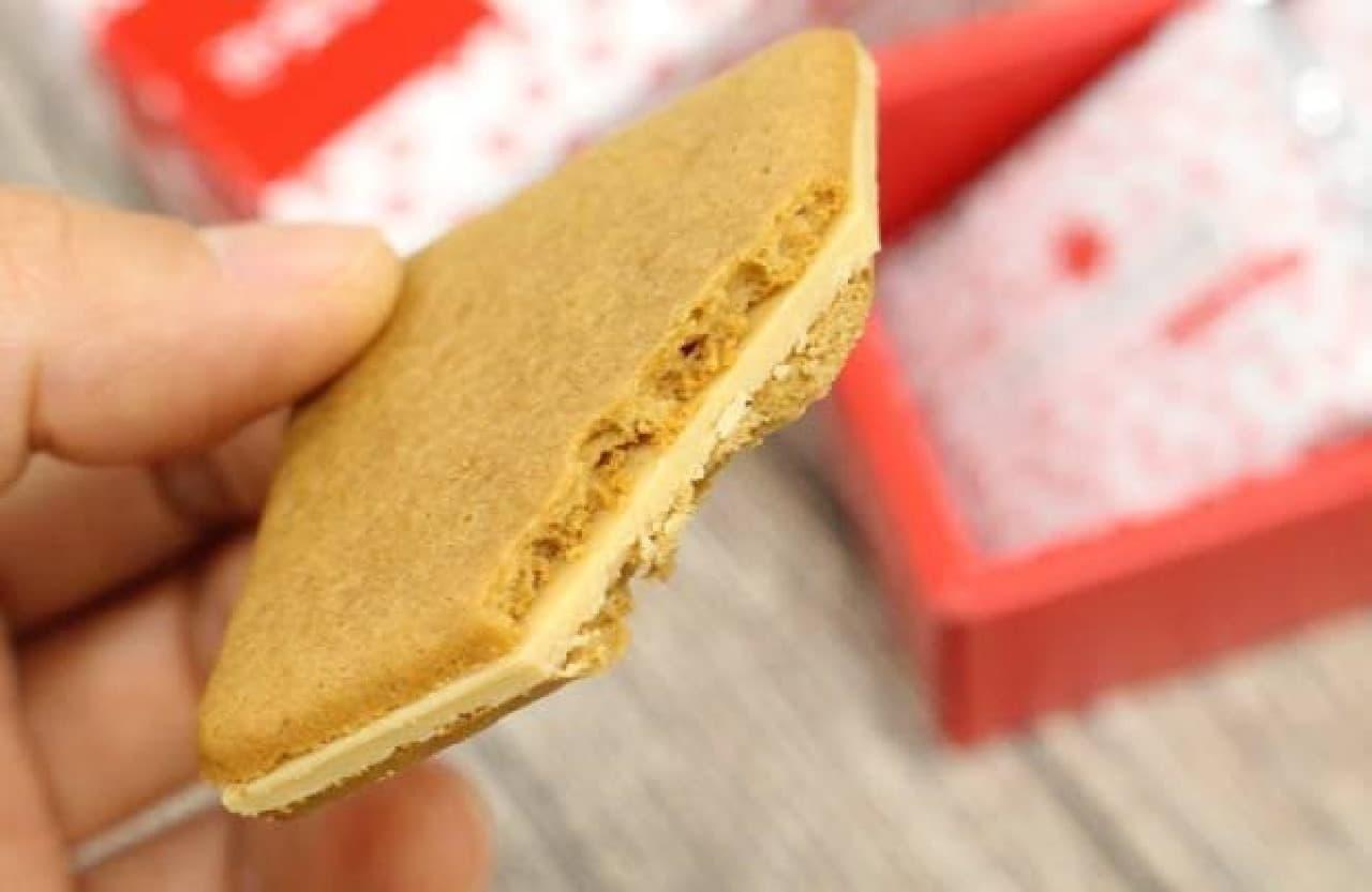 「桔梗信玄餅」をイメージした焼き菓子、「桔梗信玄ビスキュイ」