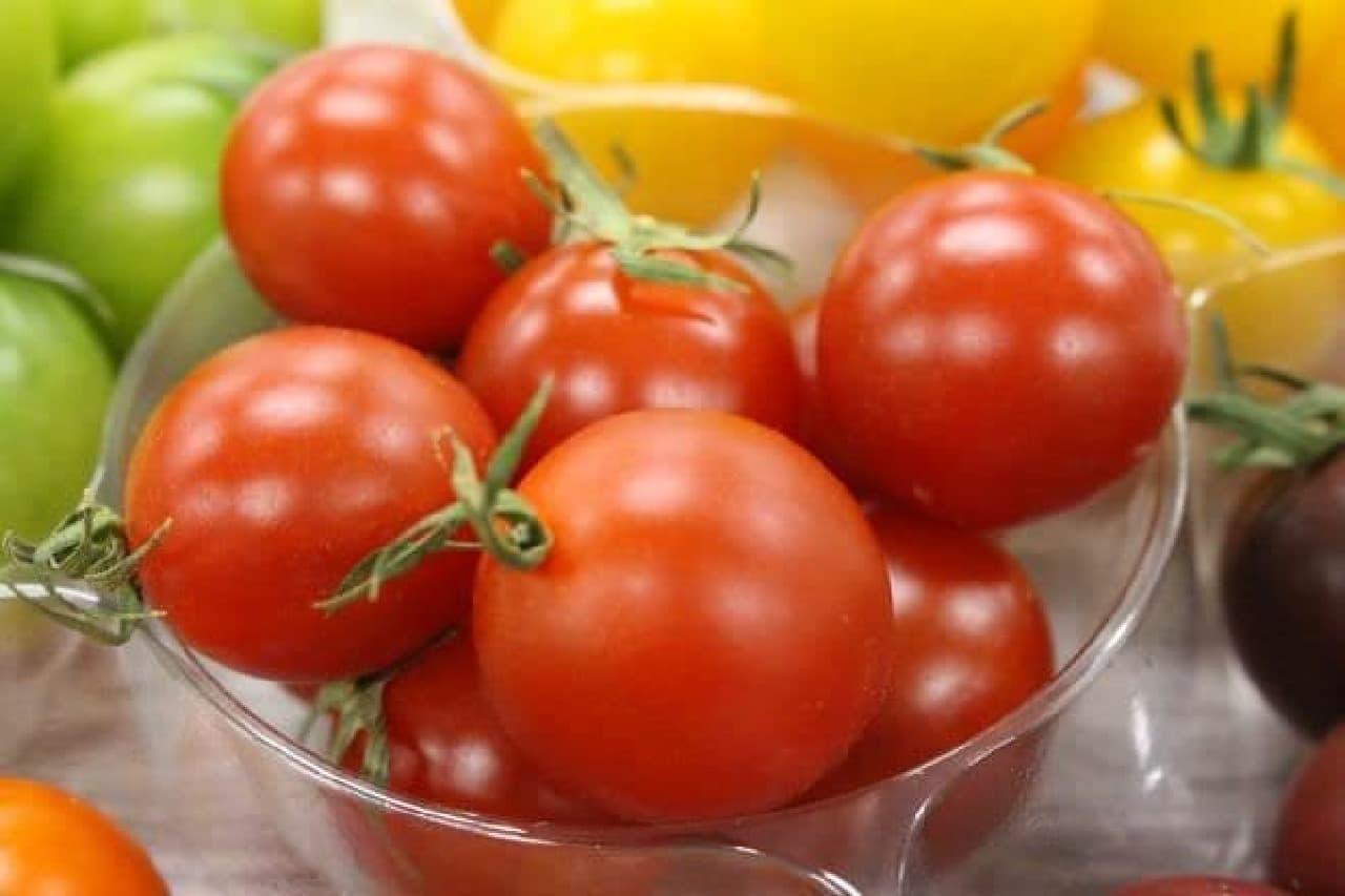 プレミアム ルビーは、噛んだ瞬間じゅわっと深い甘みが広がるトマト