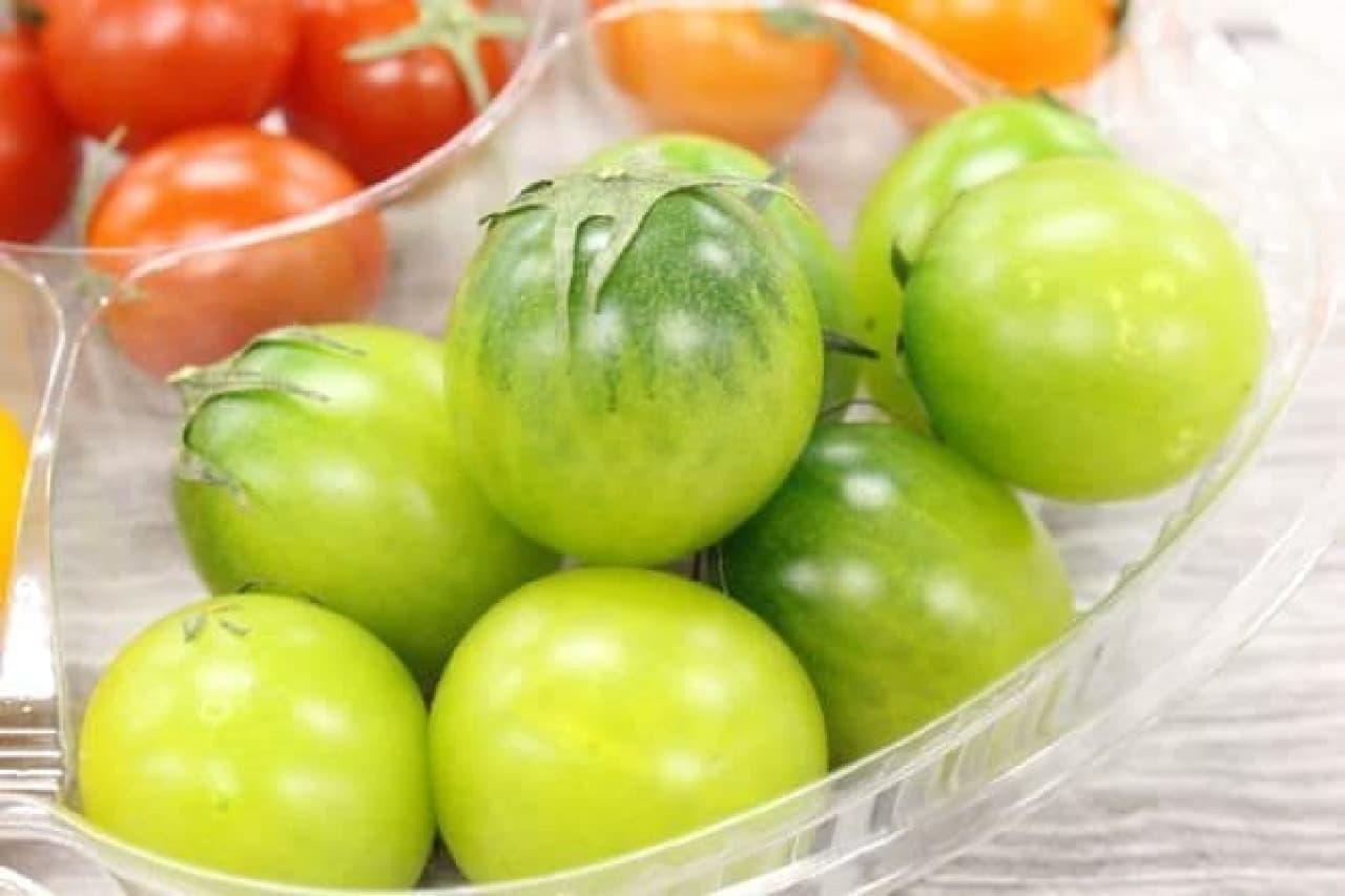 エメラルドは、鮮やかなグリーンのトマト