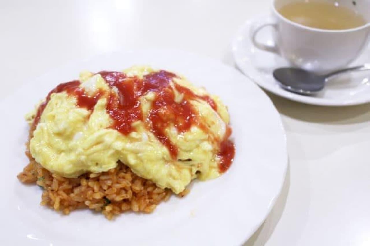 パーラーキムラヤの「チキンライス スープ付(税込680円)」