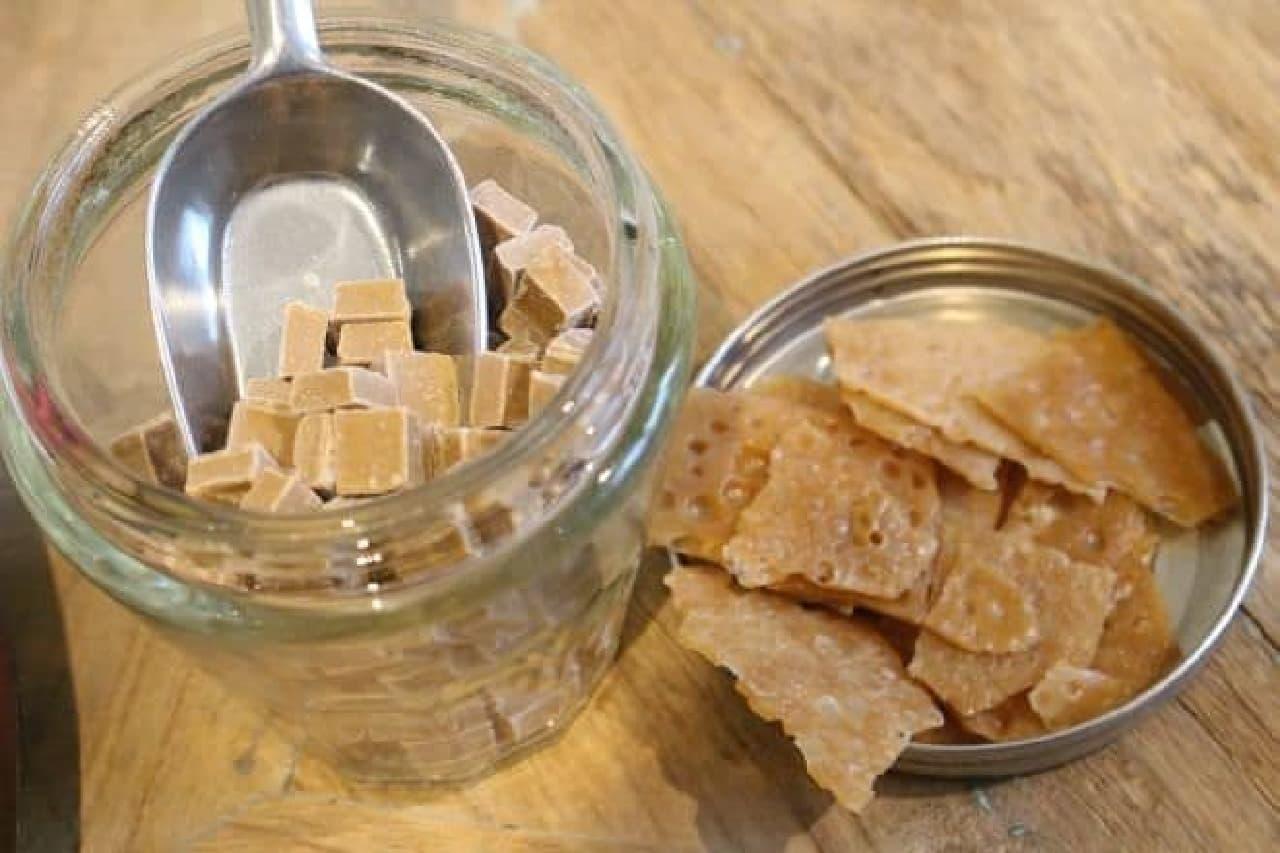 「アメリカン スコーン キャラメルトフィー」に使われたキャラメルチャンクやキャラメルトフィー