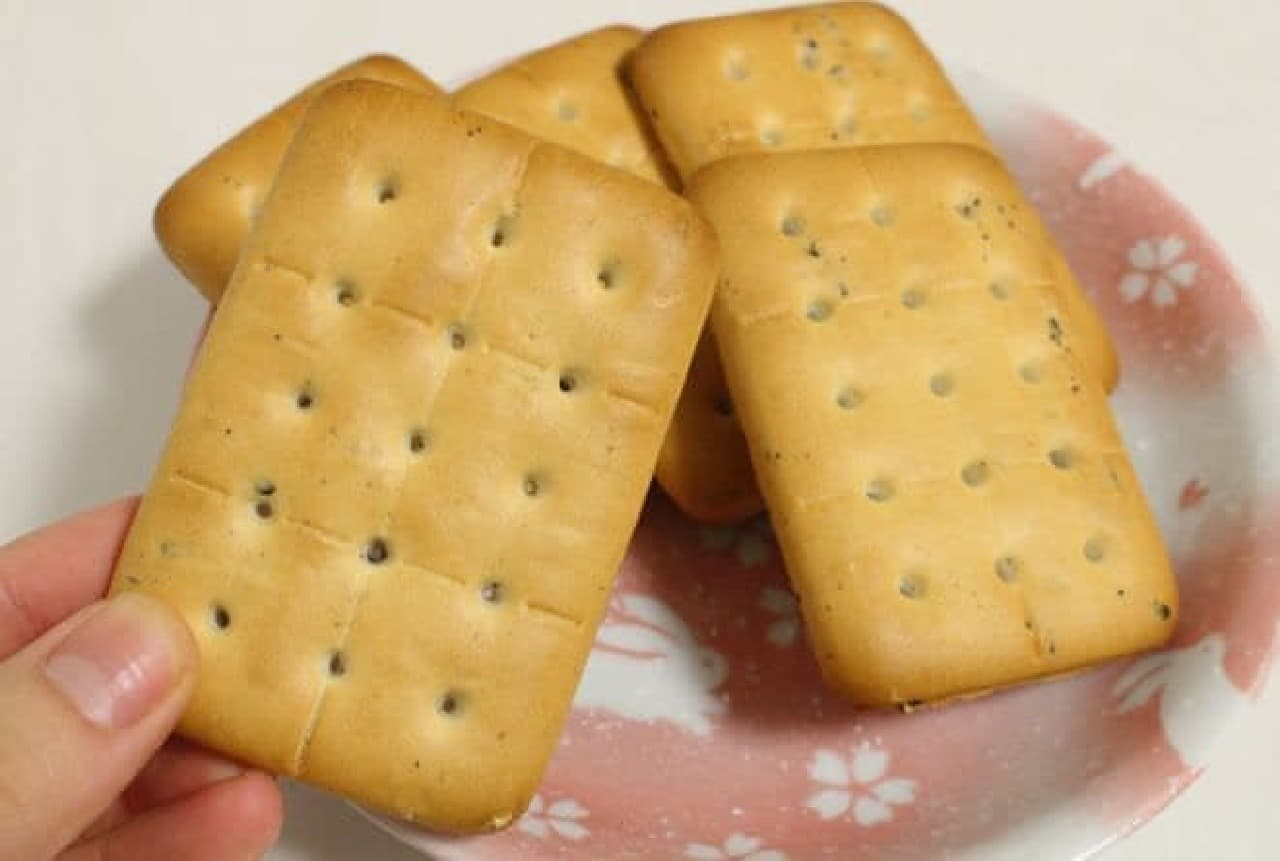 賞味期限の近い乾パン