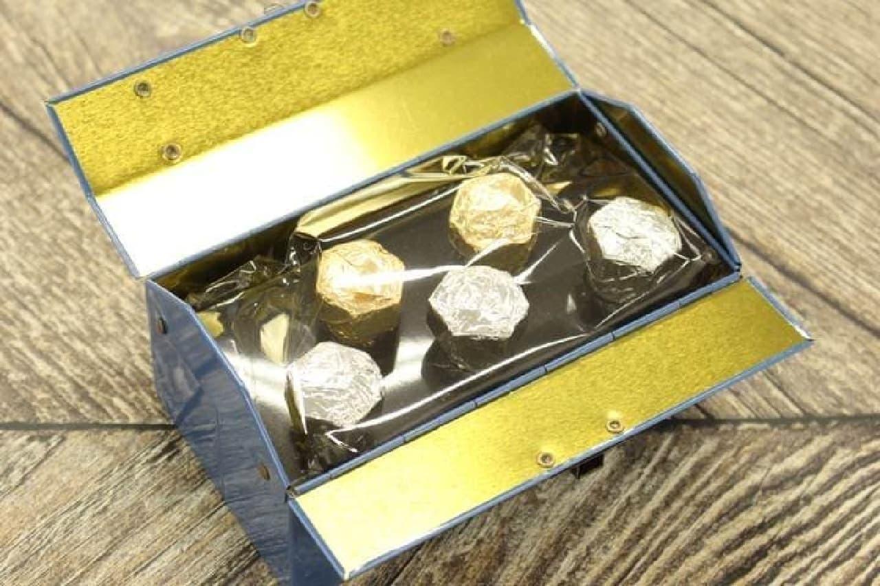 工具箱のようなデザインの「ツールボックス缶チョコレート」