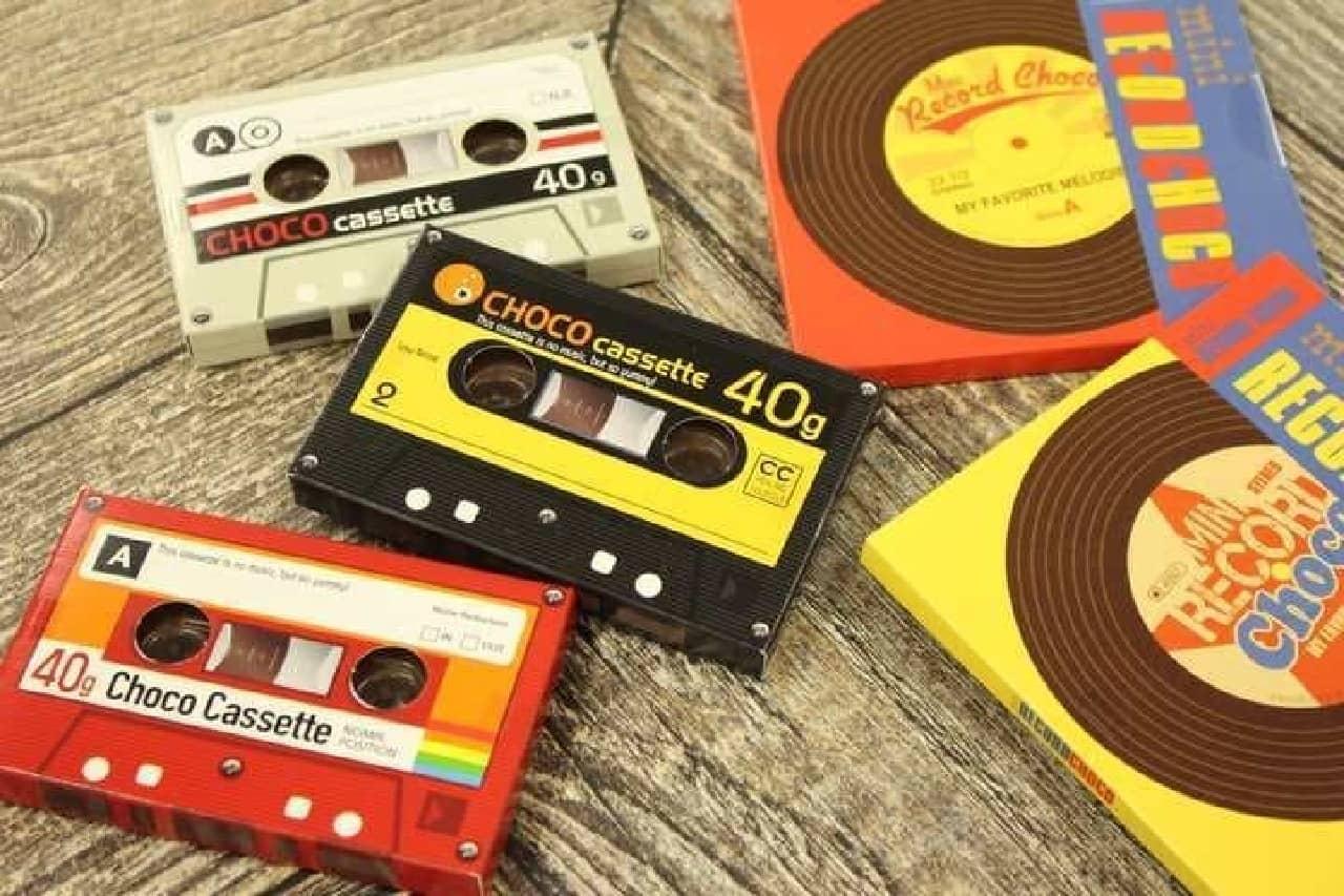 カルディで買えるカセットテープとレコードを模したチョコレート