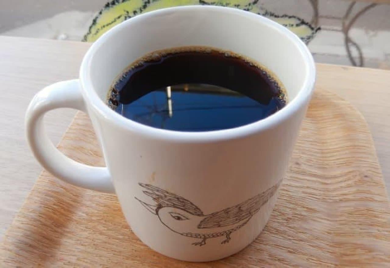 東京・原宿のカフェ「ヨダか」の「ヨダかブレンドの深煎りコーヒー」