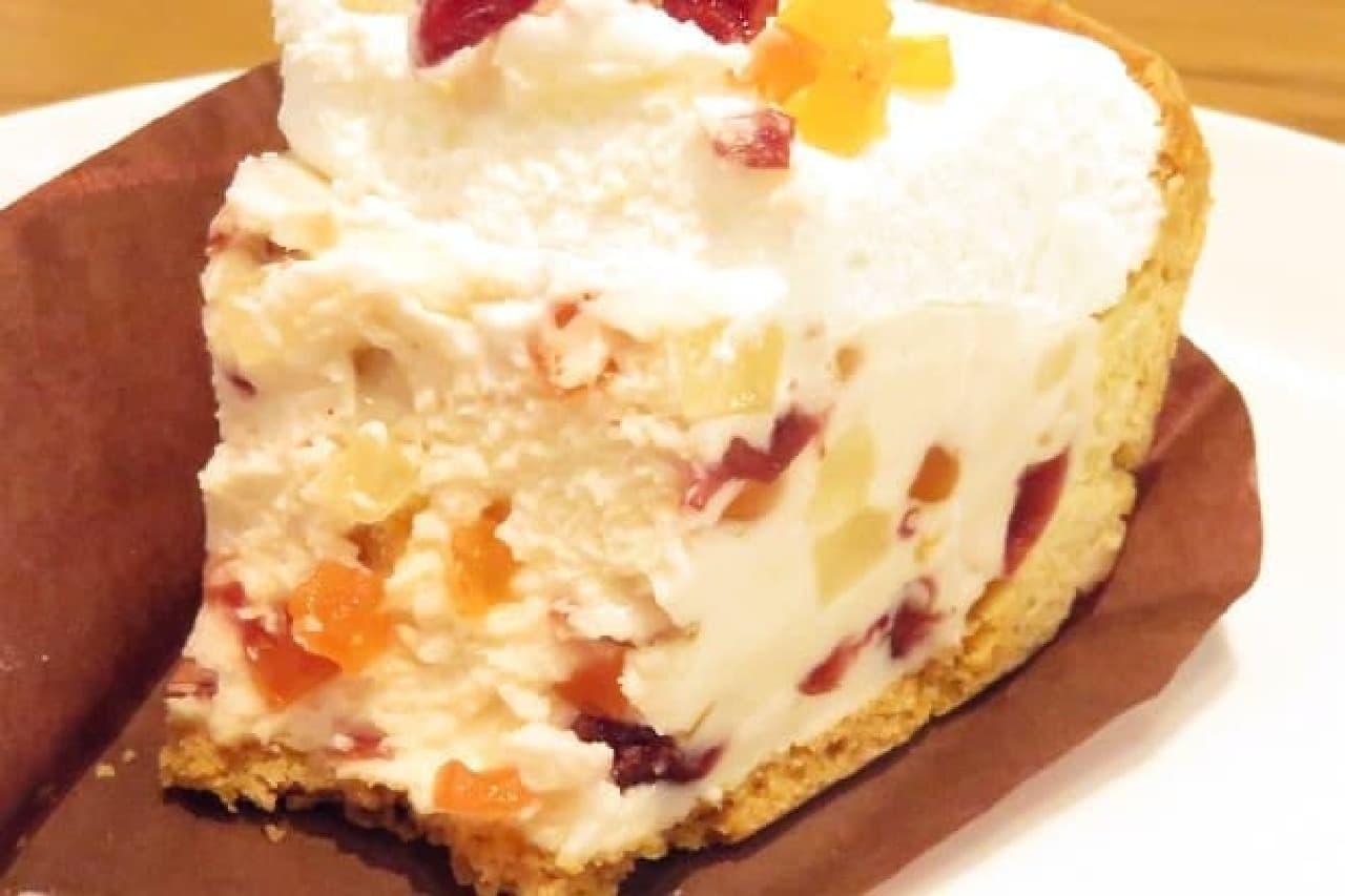 スターバックス「フルーツレアチーズケーキ」