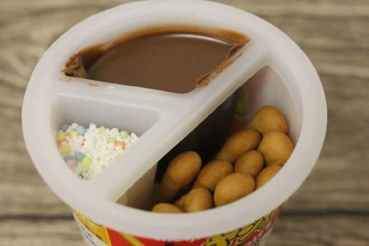 「ヤンヤンつけボー」はチョコクリームをスティックにディップして食べるお菓子
