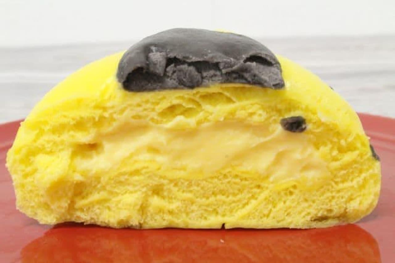 ポムポムプリンまん カスタードクリーム味は、濃厚なカスタードクリームが包まれたスイーツまん