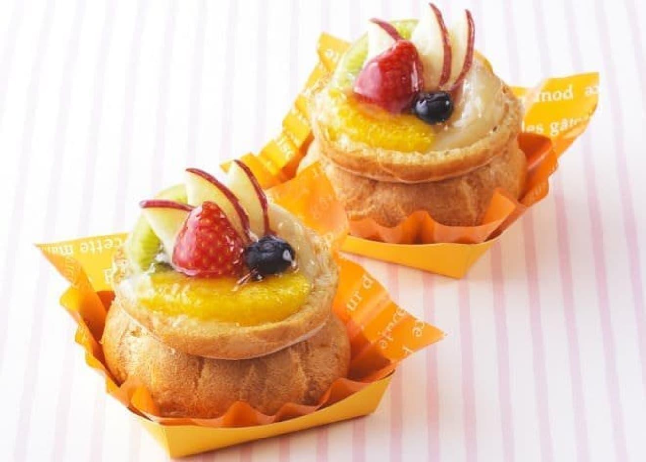 「フルーツパニエ」は、シューで作られたフルーツバスケット