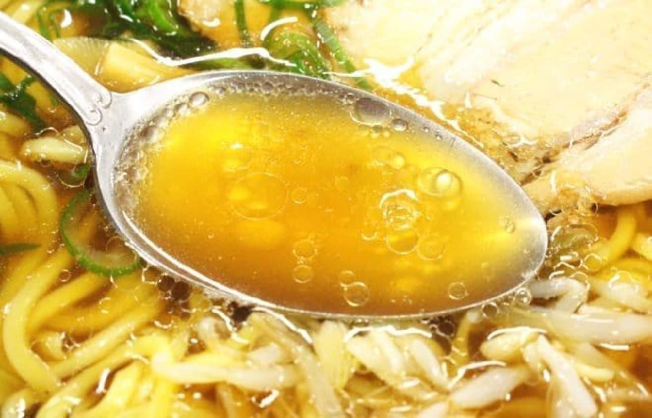 セブン-イレブン、ローソン、ファミリーマートの「醤油ラーメン」食べ比べ