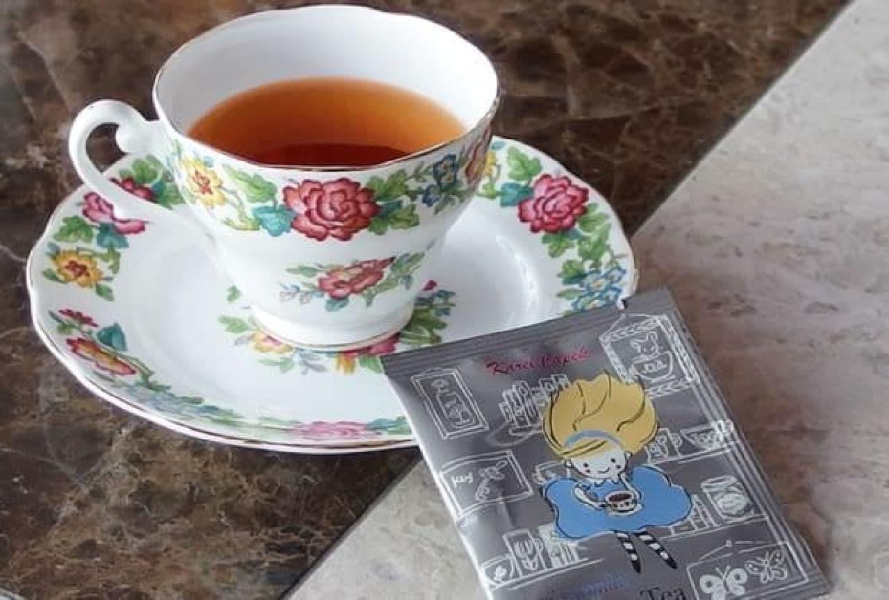 アリスのワンダーブルーベリーティー(5p)は、2種類の茶葉の味わいが楽しめるティーバッグ