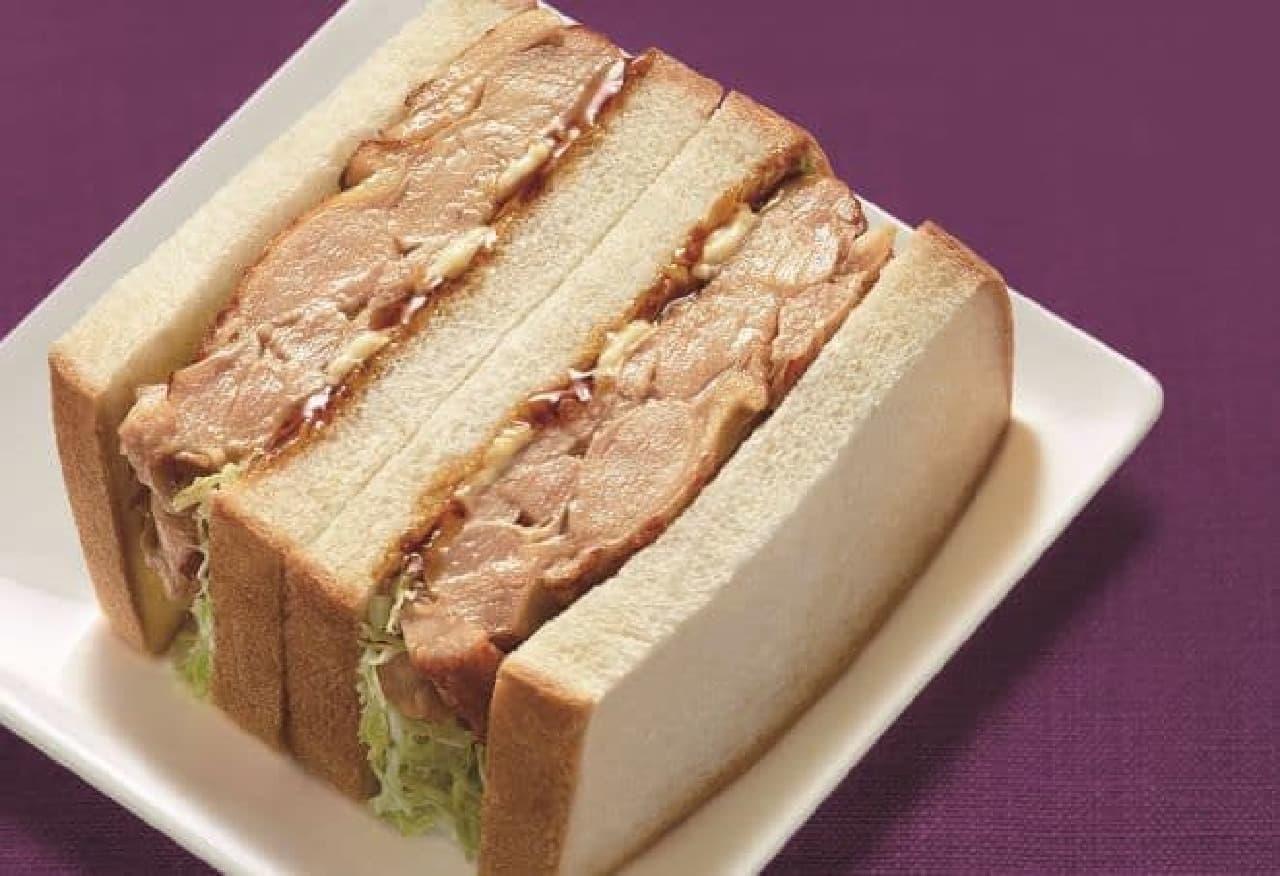 「照焼きチキンステーキサンド」は、てりやきマヨ味の手づくりサンド