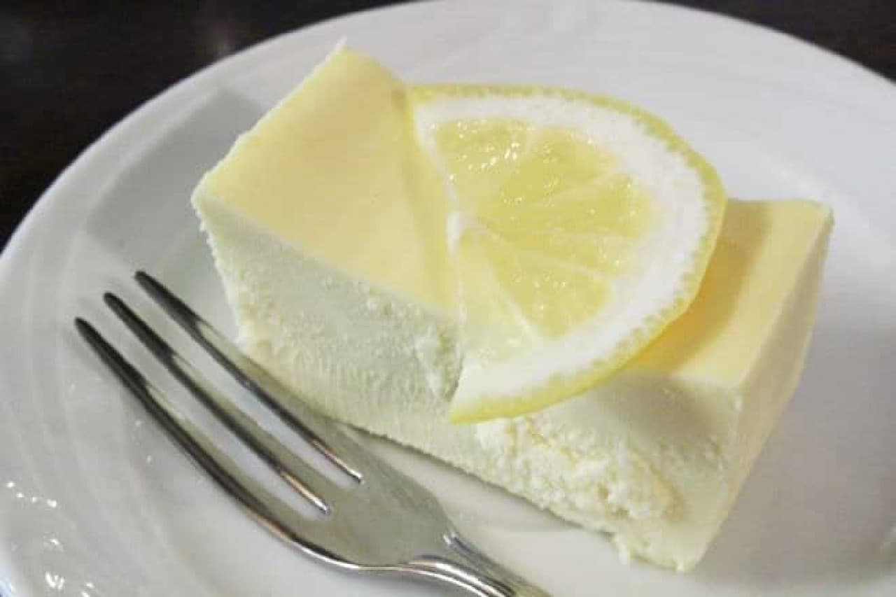 「ローヤル珈琲店」鎌倉山のチーズケーキ