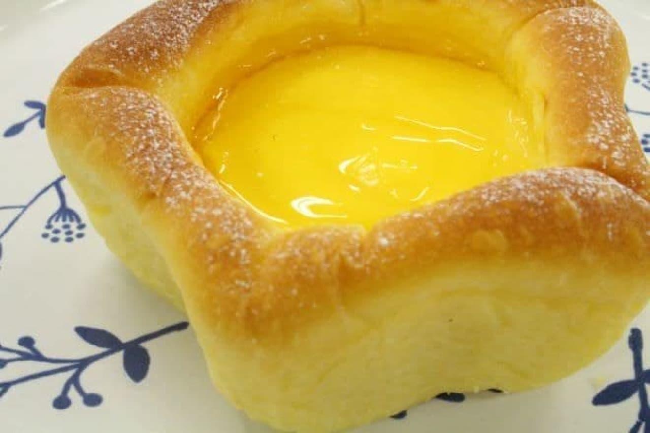 デリフランス 東京スカイツリータウン・ソラマチ店限定の星型クリームパン(ソラマチ限定)
