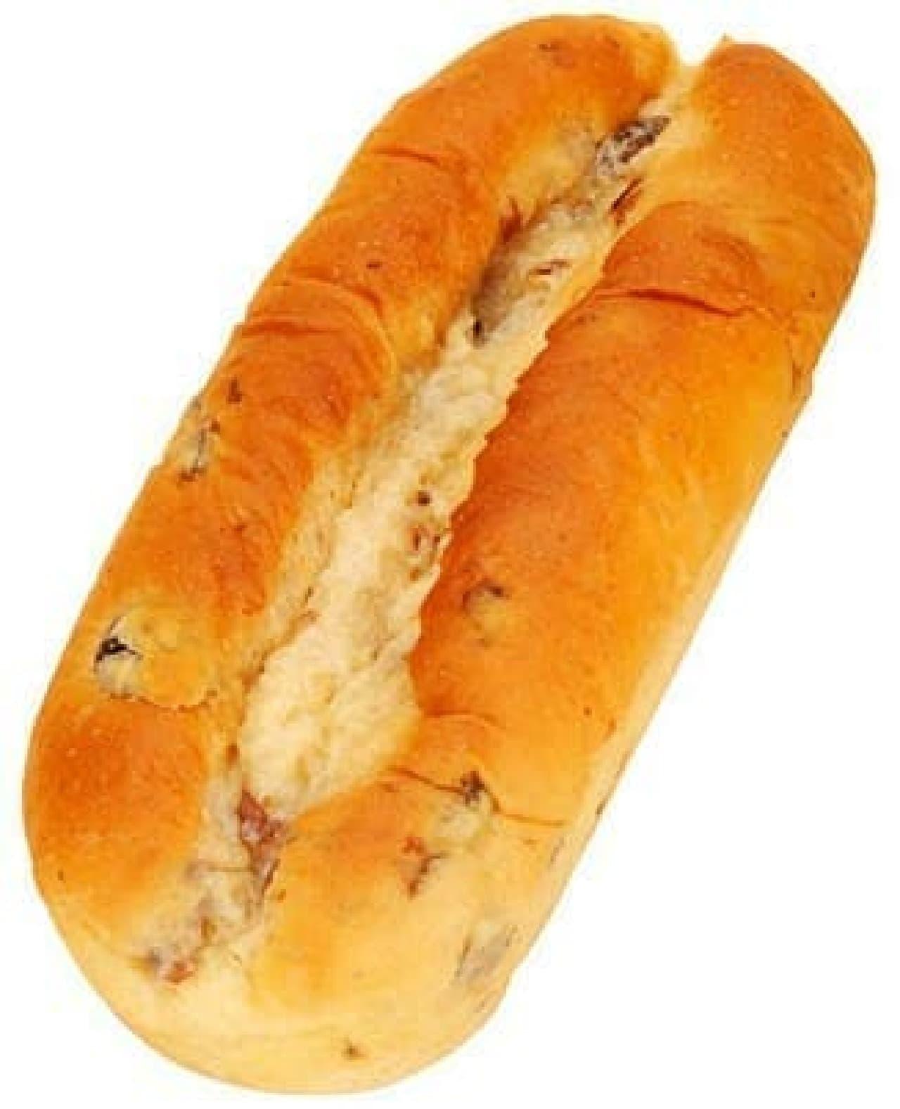 ファミリーマート「たっぷりレーズンパン」