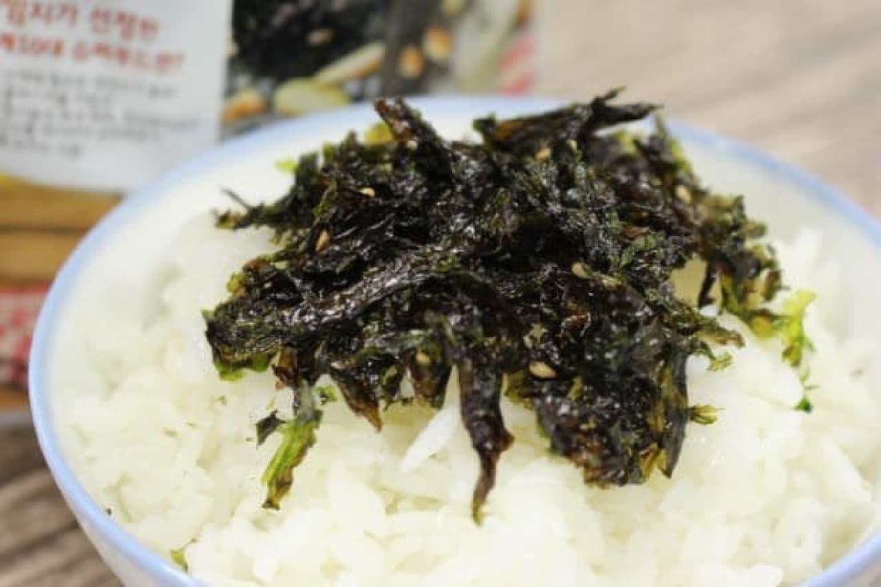 シーウッド 野菜ジャバンのり ナッツ入りは、干しのりにアーモンド、くるみを加え、7種の野菜粉末と塩、ごま油で味付けし炒められたもの