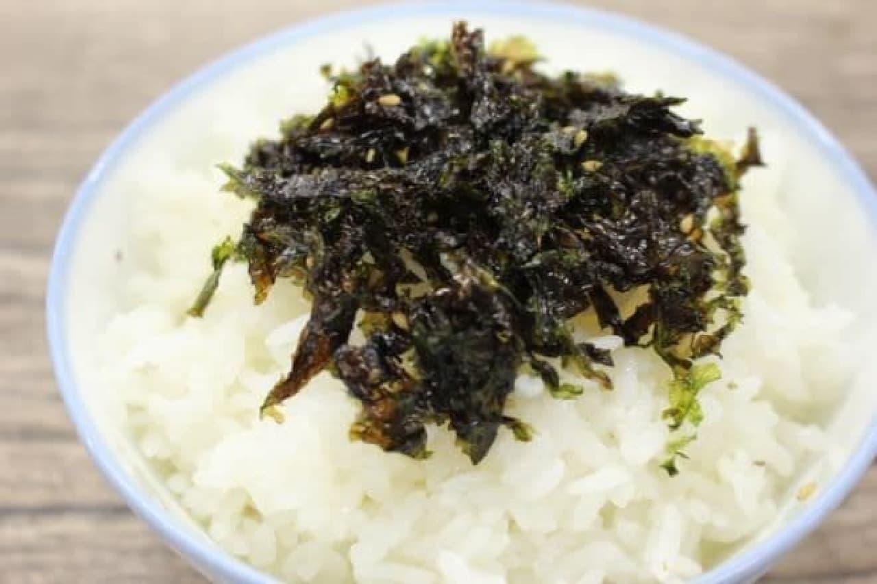 シーウッド 野菜ジャバンのり ナッツ入りをかけた白米