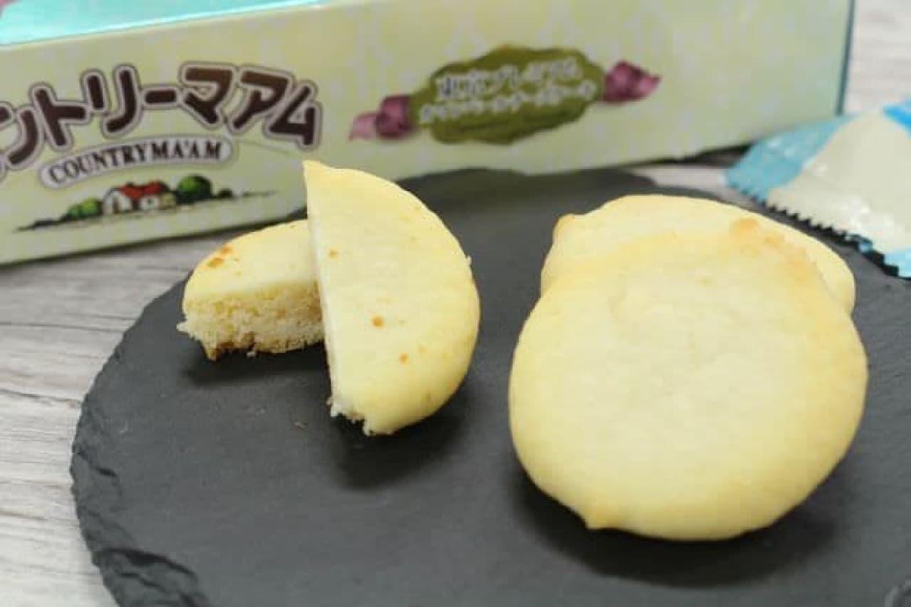カントリーマアム(東京プレミアムカマンベールチーズケーキ)は、カマンベールチーズケーキをイメージしたカントリーマアム