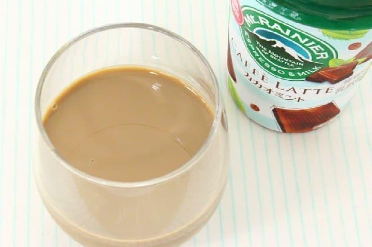 森永乳業のチルドカップコーヒー「マウントレーニア カフェラッテ カカオミント」
