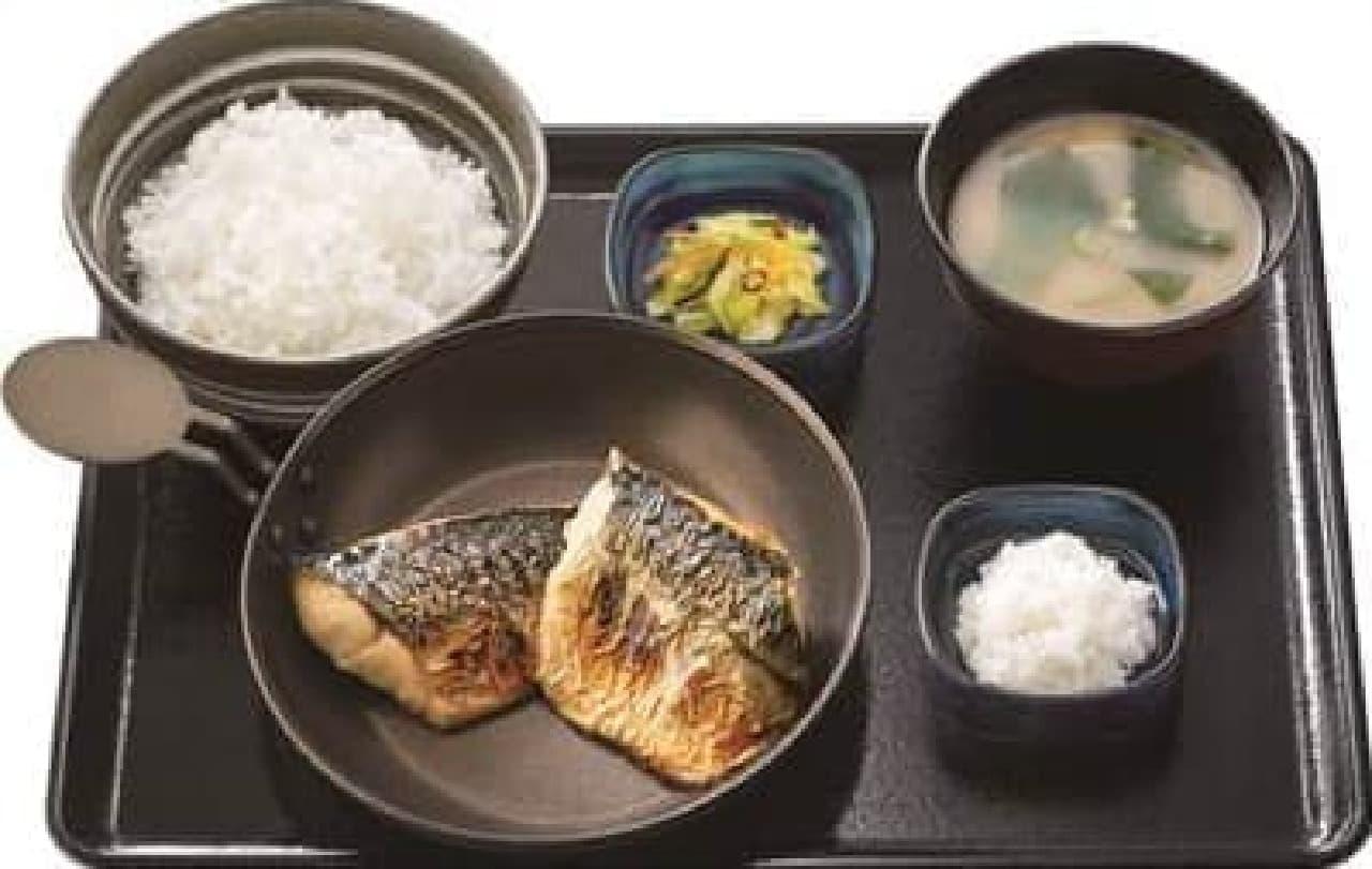吉野家に夕食限定「炙り塩鯖定食」