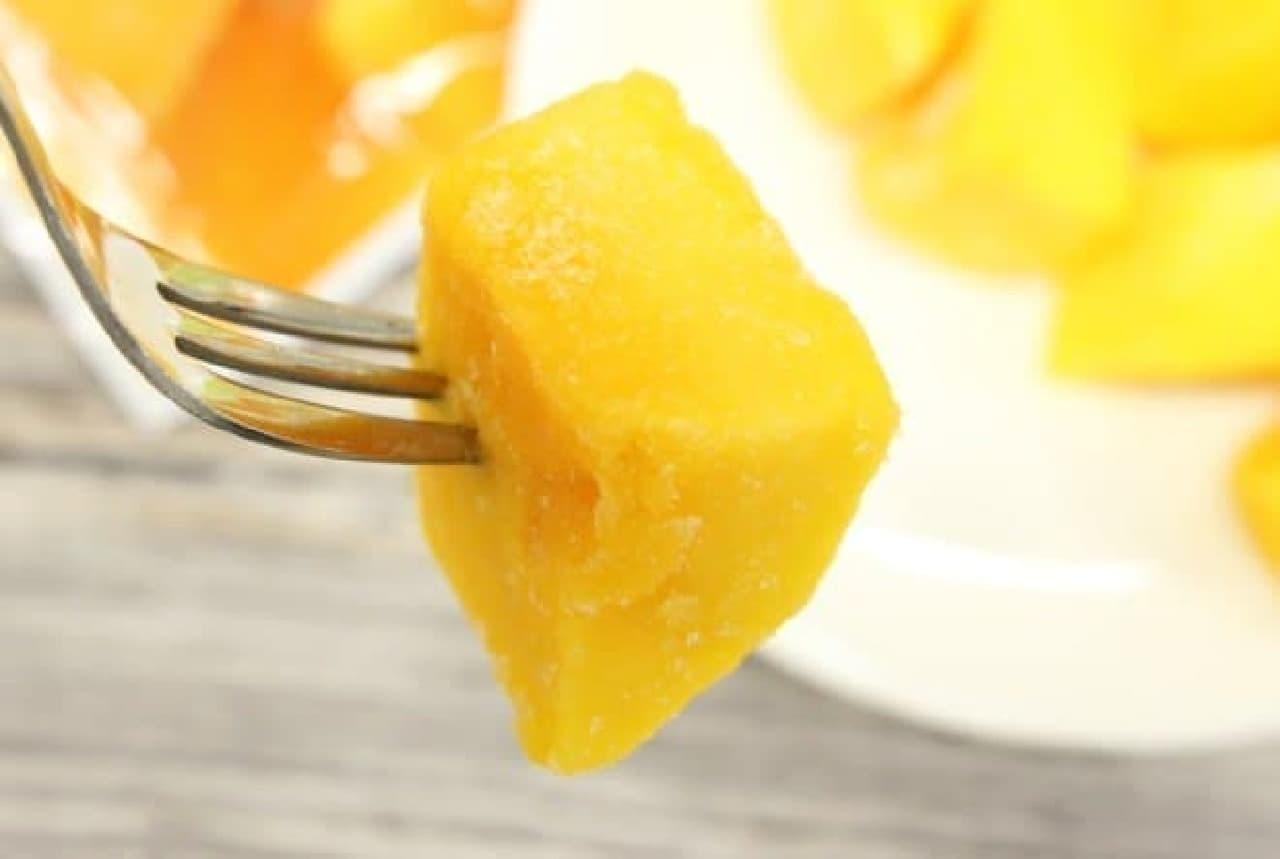 セブン-イレブンのフローズンフルーツを食べ比べ