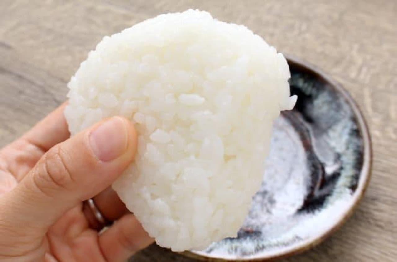 ローソン「新潟コシヒカリ 塩にぎり」