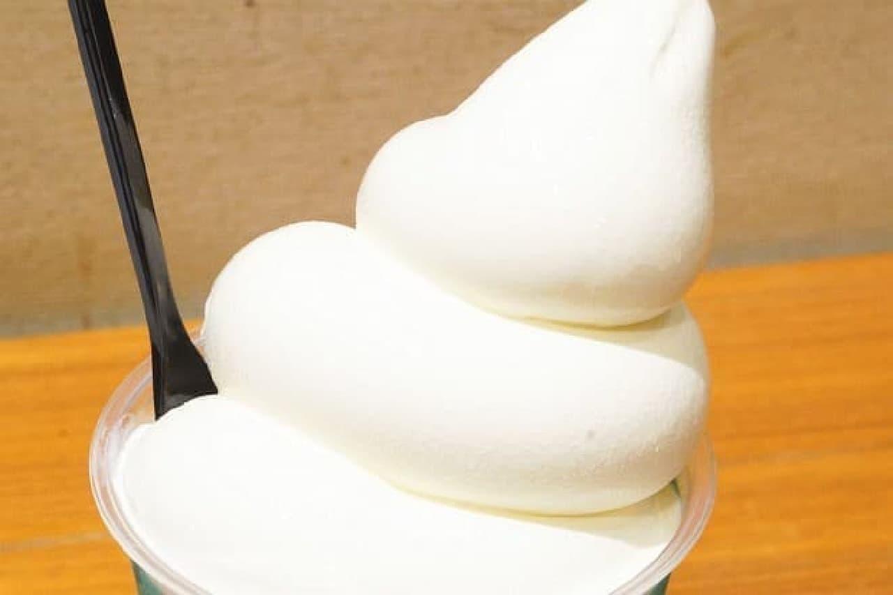 生クリーム専門店ミルク「ミルキーソフトパフェ」